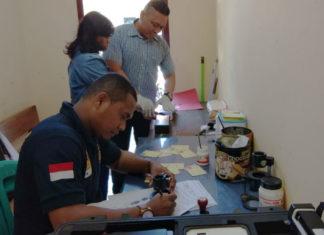 Proses pembuatan sidik jari di Polres Merauke