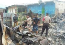 Olah TKP kebakaran yang menewaskan seorang kakek di Sentani