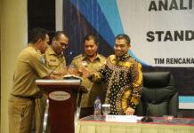 Caption: Sosialisasi Analisis Standar Belanja (ASB) dan Standar Harga Satuan (SHS) di Hotel swisbell Jayapura, Selasa (2/10/2018). Foto: Ist / PapuaSatu.com