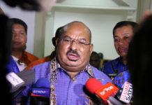 Caption: Gubernur Papua, Lukas Enembe, S.IP MH