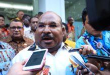 Gubernur Papua, Lukas Enembe S.Ip. MH