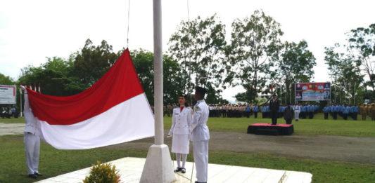 Caption : Upacara Peringatan Hari Pahlawan Ke-73 Tingkat Kota Jayapura, Senin (12/11/2018).