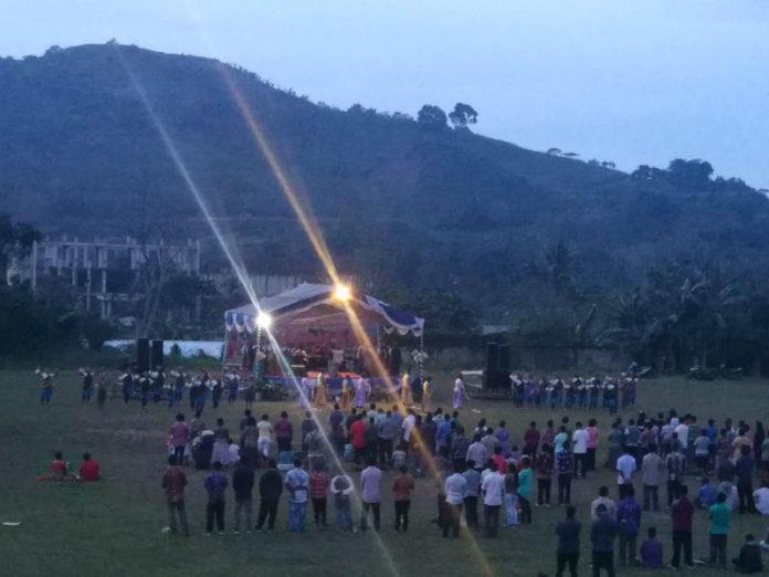 Caption : Nampak Terlihat saat jalanya ibada KKR, yang berlangsung di Lapangan Trikora. Minggu (2/12/2018) sore. Foto : Tinus Yigibalom/PapuaSatu.com
