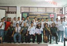 Suasana Foto Bersama Kakesdam dan Kepala BNNP Papua serta siswa SMA Mandala Trikora
