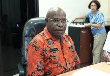 Caption : Kepala Dinas Kesehatan Provinsi Papua, drg. Aloysius Giay. Foto : Ayu Vhino/PapuaSatu.com