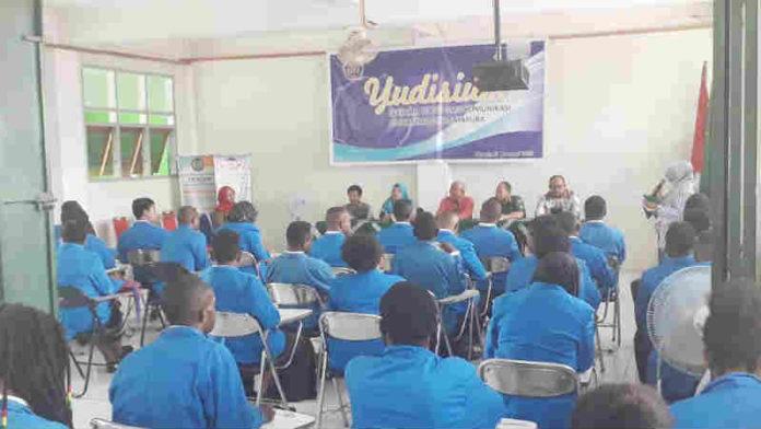 Caption: Suasana Yudisium berlangsung di aulah stikom muhammadiyah Jayapura lantai II. Foto : Yosua Itlay/PapuaSatu.com