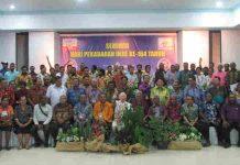 Caption: Para peserta seminar HPIke 164 foto Bersama usia penutupan oleh Ketua PGGP Pdt. MPA Maury, S.Th di Aula Serba Guna GKI Pniel Kotaraja, Sabtu (2/2/2019). Foto : Sony/PapuaSatu.com
