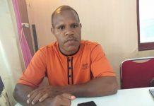 Caption : Ketua Fraksi Hanura DPR Papua, Nikius Bugiangge