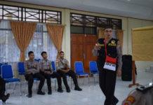 polisi pi ajar di sekolah
