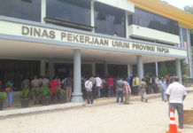 Sejumlah pengusaha GEL Papua ketika menduduki Kantor PUPR