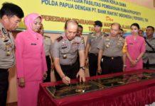 Kapolda Papua Irjen Pol Drs. Boy Rafli Amar, MH saat meresmikan delapan gedung Mapolsek dan satu gedung Mapolsubsektor di jajaran Polda Papua, Sabtu (18/8/2018)