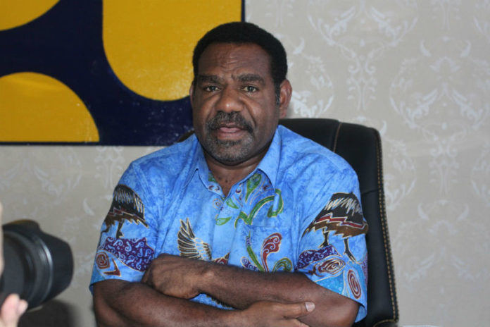 Caption: Kepala Dinas Pekerjaan Umum dan Penataan Ruang (PUPR) Provinsi Papua, Girius One Yoman, S.Pd.,M.Si. Foto: Piet Balubun / PapuaSatu.com
