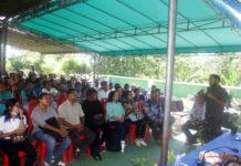 Caption : Ketua Harian KPA Papua, Yan Matuan saat menyampaikan sambutan di hadapan puluhan relawan pelatihan dan penyuluhan HIV-AIDS, di Hotel Enang, Hawai-Sentani, Distrik Sentani, Kabupaten Jayapura pada, Kamis (24/1) kemarin.