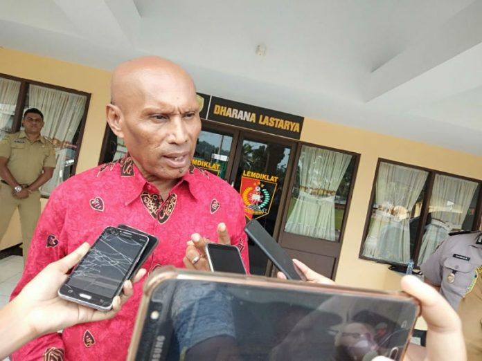 Wali Kota Jayapura, DR. Drs. Benhur Tomi Mano MM