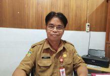 Caption: Kepala Badan Kepegawaian Daerah (BKD) Kabupaten Keerom, Lukas Saranga