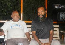 Caption : Ketua Harian KPA Papua Yan Matuan didampingi Koordinator Devisi Kerohanian KPA Provinsi Papua Pdt Jet Yoku saat memberikan keterangan pers di Sentani-kabupaten Jayapura Jumat 10 Mei 2019