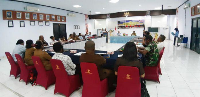 Caption : Suasana sosialisasi Penelitian Hukum dan HAM Tentang Penegakan Hukum dan Kedaulatan Negara dalam Pengelolaan Kawasan Perbatasan Negara di Indonesia yang berlangsung di Kantor Kemnkum Ham, Selasa (18/6/2019).