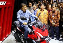 New Honda ADV warna merah hitam yang sempat dilirik untuk dicoba oleh Wapres Jusuf Kalla saat pameran aIISI di Jakarta dan menjadi salah satu warna vaforit di Papua.(foto/doc)