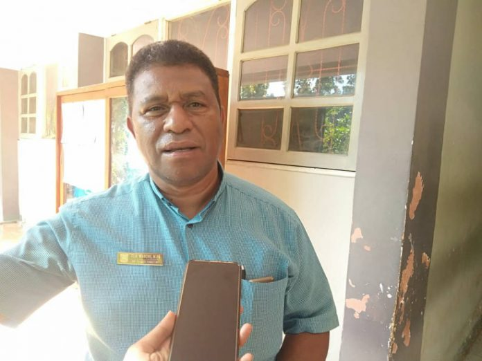 Kepala Sekolah SMK N 2 Jayapura, Elia Waromi, M.Pd