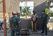 Caption : Dandim 1709/Yawa Letkol Arh Pulung Patria Daga meninjai lokasi TMMD ke 105 di di Kampung Mansesi Distrik Miobo Kab. Kep. Yapen, Kamis (11/07/2019).