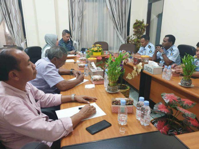 Caption foto : Pertemuan Antara Komisi B DPRD Kota Jayapura bersama Kanwil Kementerian Hukum dan HAM Papua, Senin (22/7/2019) di Kantor Kanwil Kemenkumham, Kotaraja