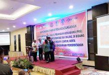Caption : Wakil Ketua KPK, Laode M Syarif, didampingi Wakil Gubernur Papua dan perwakilan kepala daerah, membuka Rakor & Penandatangan MoU dan PKS Implementasi Tax Online, di Swisbel Hotel, Kamis (25/7/2019)