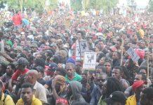Ribuan pendemo menduduki halaman kantor Gubernur Papua, Senin 19 Agustus 2019