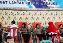 Bhakti sosial donor darah dalam rangka HUT Lalu Lintas ke-64 oleh Sat Lantas Polres Merauke di Aula Mapolres Merauke, Rabu (18/9/19).