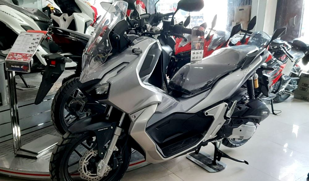 Honda ADV 150 dengan desain yang gagah dan fitur-fitur yang sesuai kebutuhan masyarakat zaman sekarang