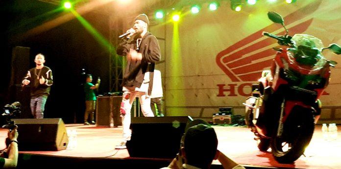 Ecko Show saat performance di iven lounching produk Honda ADV dan Honda Genio di Lapangan Trisila Angkatan Laut Jayapura, Sabtu (19/10/19)