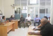 Caption : Rapat bersama Ketua Harian KPA Papua, Sekretaris dan seluruh pengurus KPA Provinsi Papua di Kantor KPA Papua, Rabu (17/10/2019)