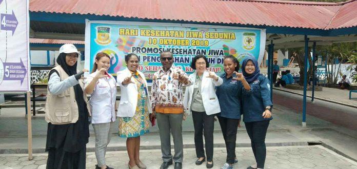 Caption : Tim Nusantara Sehat saat foto bersama para dokter di RSJD Abepura