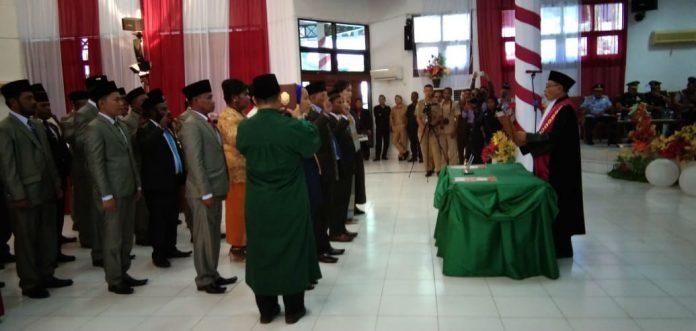 Caption : Suasana Pelantikan 25 Anggota DPRD Kabupaten Jayapura Oleh Ketua Pengadilan Negeri Jayapura, Senin (22/10/2019)