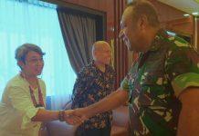 Pangdam XVII/Cenderawasih Mayjen TNI Herman Asaribab saat menerima kunjungan kerja Ketua MRP Timotius Murib beserta anggota MRP dan Tim Advokad MRP, Kamis (24/10/2019)