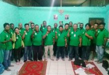 Caption: Para LSM-LH Papua siap tanam pohon di Danau Love Sentani.