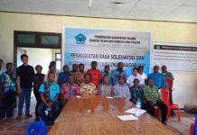 Caption: Para peserta foto bersama usai kegiatan Peningkatan Rasa Solidaritas dan Ikatan Sosial di Lingkungan Masyarakat di Kantor Kesbang Yalimo, Sabtu (14/12). (ist).