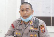 Kapolres Jayapura, AKBP Victor Dean Macbon saat memberi keterangan pers di kantornya, Senin (4/5/20)