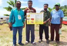 Penyerahan bantuan fresher, genset dan fasilitas sebagai penguatan koperasi oleh Dinas Koperasi dan UMKM Kabupaten Jayapura