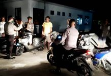 Tim URC Polres Asmat saat melaksanakan patroli malam di seputaran Kota Agats Kabupaten Asmat, Selasa (26/5/2020)