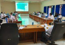 Suasana rapat bersama antara Bupati Jayapura dan seluruh organisasi perangkat daerah di lingkungan Pemerintah Kabupaten Jayapura, di Aula Lantai Dua Kantor Bupati Jayapura, Rabu (3/6/20)