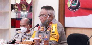 Kapolda Papua, Irjen Pol. Drs. Paulus Waterpauw saat memaparkan refleksi semester I Tahun 2020 di Aula Rupatama Mapolda Papua, Jumat (26/6/20)