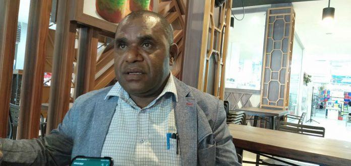 Caption : Anggota Komisi V DPRP Papua, Tarius Mul, S.Sos