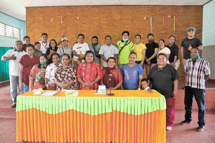 Caption: foto bersama panitia HUT 50 Tahun SMA YPPK Taruna Bakti dan Perwakilan Alumni setelah pertemuan selesai di aula Sekolah Sabtu, 17 Oktober 2020