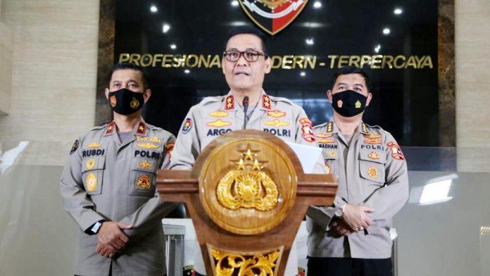 Kepala Divisi Humas Polri Irjen Argo Yuwono saat memberi keteranan pers di Gedung Humas Polri, Jakarta Selatan, Senin (25/1/2021)