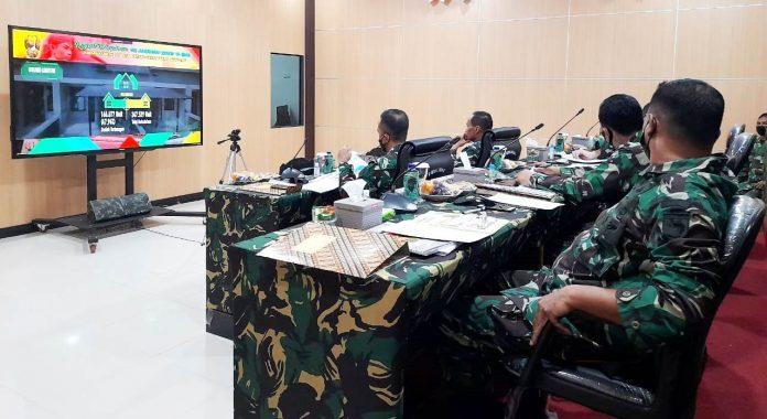 Rapim TNI AD tahun 2021 secara virtual di Ruang Puskodalops Makodam XVII/Cenderawasih Selasa (23/2/2021)
