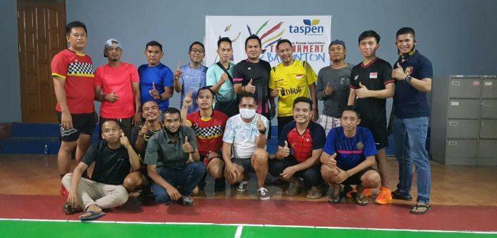 Caption : Tim PB Avanti Foto Bersama Usai Meraih Juara I dalam Turnamen Taspen Jayapura, pada Kamis (01/04/2021) malam.